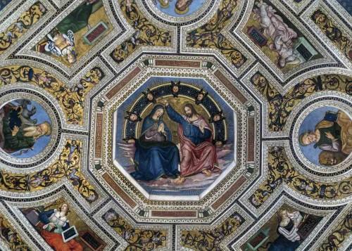 Pinturicchio, freski w absydzie kościoła Santa Maria del Popolo, w środku Koronacja Marii
