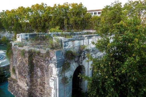 Ponte Rotto