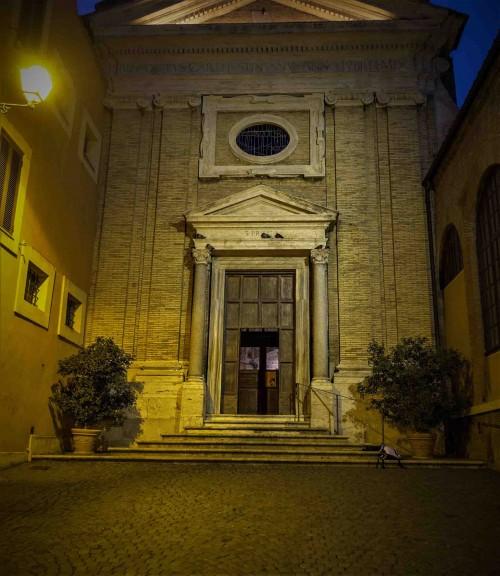 Fasada kościoła Santa Prisca