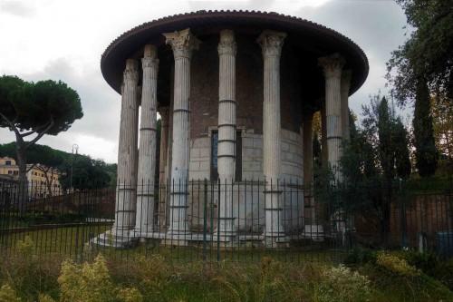 Antyczna świątynia Herkulesa, od średniowiecza do XVII w. poświęcona św. Szczepanowi