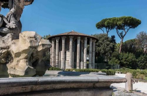 Świątynia Herkulesa przy Piazza Bocca della Verità