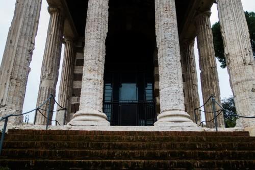 Świątynia Portunusa, widok portyku wejściowego
