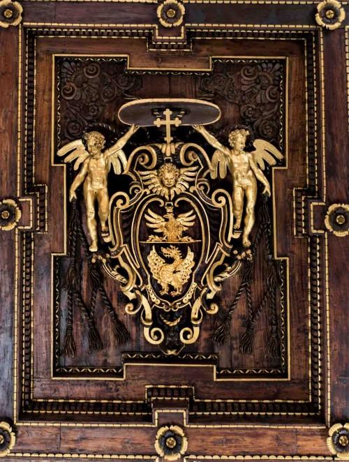 Oratorium Sant'Andrea, dekoracja stropu z herbem kardynała