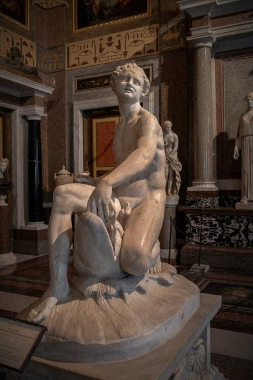 Satyr na delfinie, Galleria Borghese
