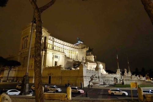Via dei Fori Imperiali, widok na Ołtarz Ojczyzny