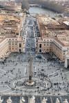 Via della Conciliazione widziana z tarasu pod kopułą bazyliki św. Piotra