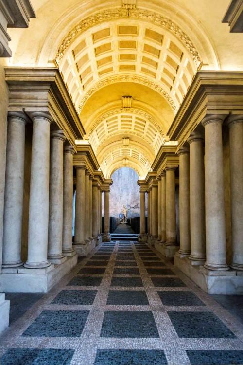 Francesco Borromini, Palazzo Spada, perspective colonnade