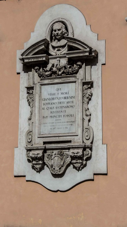 Plaque commemorating the house in which Bernini lived (next to the Church of Sant'Andrea delle Fratte)