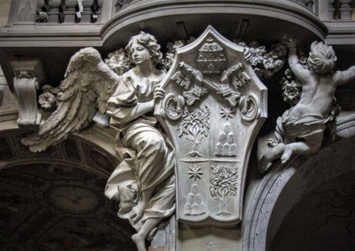 Antonio Raggi, Angel supporting the coat of arms of Pope Alexander VII, Basilica of Santa Maria del Popolo