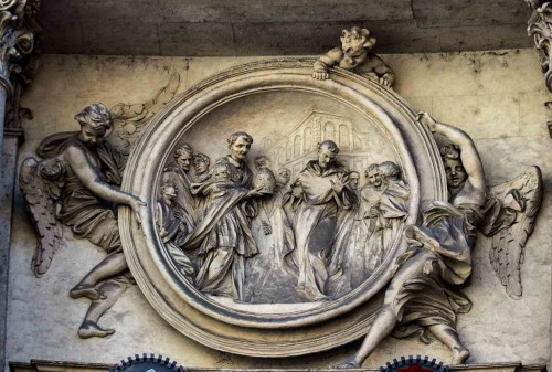 Antonio Raggi, medallion in the lintel depicting Philip Benitius Refusing the Papal Tiara, Church of San Marcello