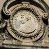 Antonio Raggi, jeden z medalionów na fasadzie przedstawiający papieża Sykstusa IV, kościół Santa Maria della Pace