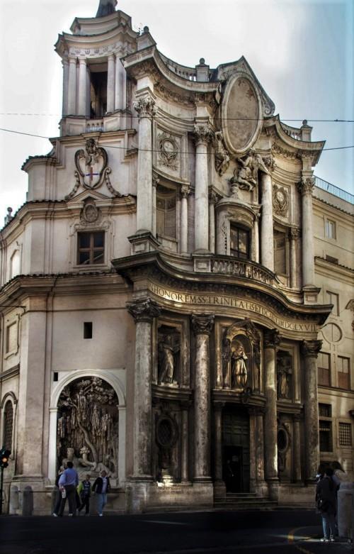 Fasada kościoła San Carlo alle Quattro Fontane