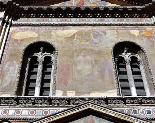 Santa Pudenziana, fasada z pozostałościami fresków