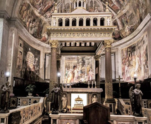Basilica of San Pietro in Vincoli, baldachin over the confessio with the chains of St. Peter
