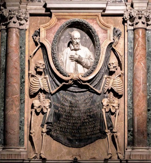 San Pietro in Vincoli, nagrobek kardynała Mariano P. Vecchiarellego, fragment