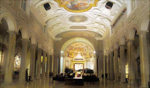 San Pietro in Vincoli, wnętrze kościoła z V w.
