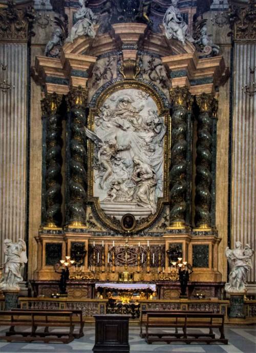 Pietro Bracci, anioły w ołtarzu Jana Berchmansa, kościół Sant'Ignazio