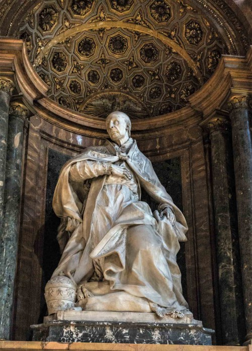 Pietro Bracci,  figura papieża Benedykta XIII - nagrobek papieski w bazylice Santa Maria sopra Minerva