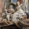 Pietro Bracci, pomnik nagrobny Marii Klementyny Sobieskiej, fragment, bazylika San Pietro in Vaticano