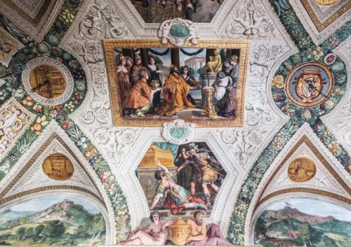 Palazzo Mattei di Giove, dekoracje sufitu pałacowej galerii, Salomon oddający cześć bóstwom, Pietro da Cortona, dekoracje sztukatorskie Pietro P. Bonzi