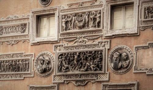 Palazzo Mattei di Giove, widok jednej ze ścian pałacu