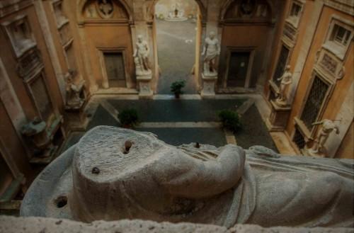 Palazzo Mattei di Giove, widok z drugiego piętra na dziedziniec pałacowy