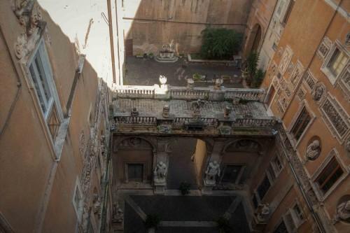 Palazzo Mattei di Giove, widok z góry na dwa pałacowe dziedzińce