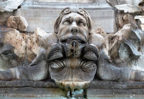 Fontana della Rotonda, jeden z maszkaronów zaprojektowanych przez Giacomo della Portę