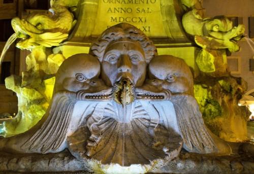 Fontana della Rotonda, secesyjna główka z końca XIX w.