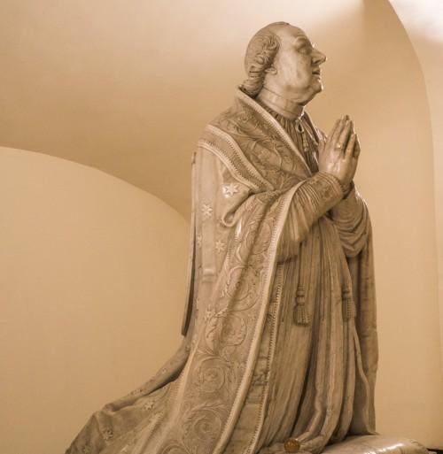 Antonio Canova, statue of the Pope Pio VI, fragment, Vatican Grottoes