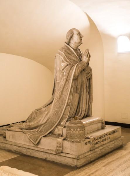 Antonio Canova, posąg papieża Piusa VI, Groty Watykańskie