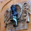 Casa del Canova przy via del Canova, fasada budynku z pamiątkową tablicą upamiętniającą rzeźbiarza