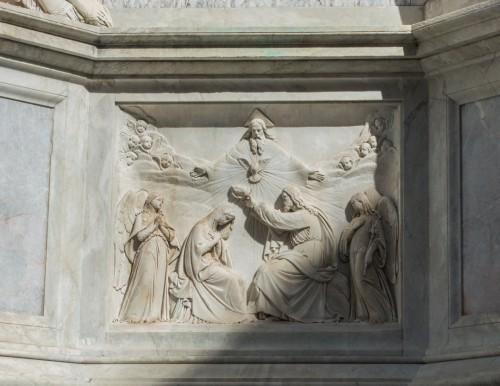 Kolumna Niepokalanego Poczęcia, płaskorzeźba ze sceną Koronacji Marii