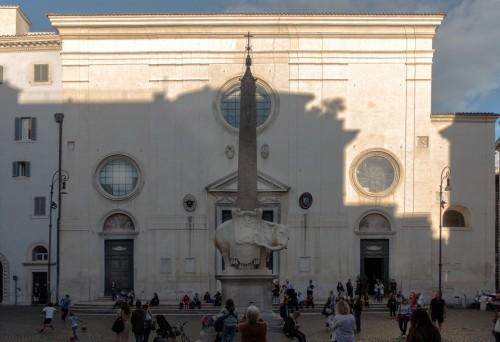 Fasada bazyliki Santa Maria sopra Minerva