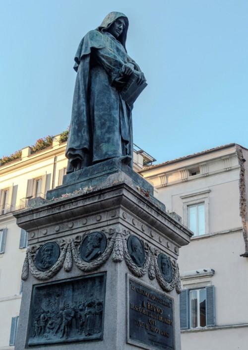 Pomnik Giordana Bruna na Campo de'Fiori