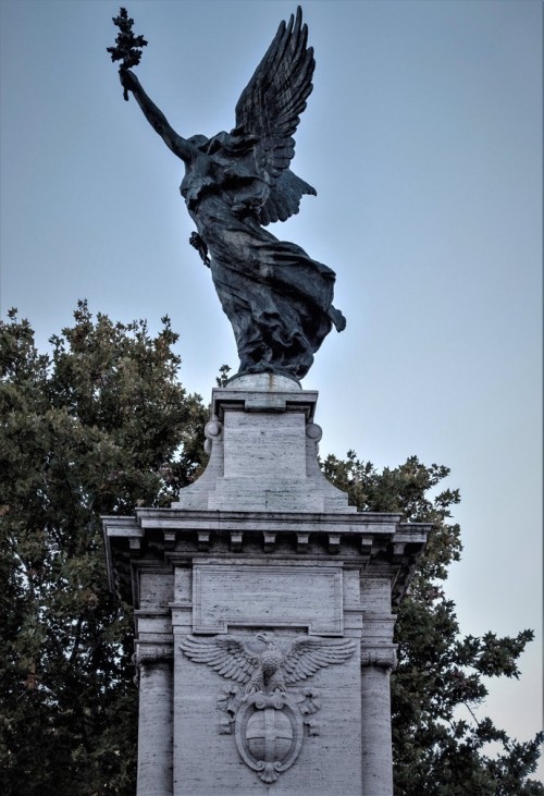 Ponte Vittorio Emanuele II, one of the four Victories adorning the bridge