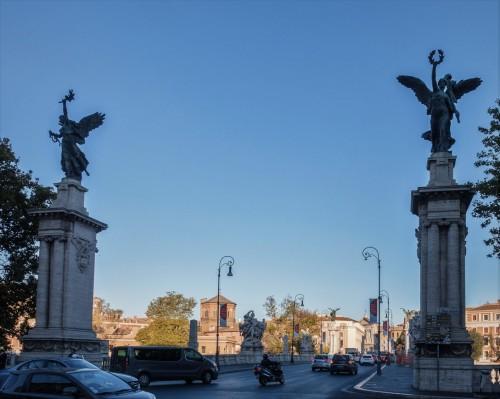 Ponte Vittorio Emanuele II, Wiktorie wprowadzające z obu stron na most