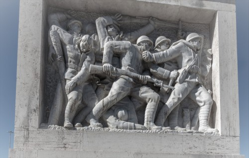 Ponte Duca d'Aosta, one of the scenes – the battle of Italian soldiers under the leadership of prince-general d'Aosta