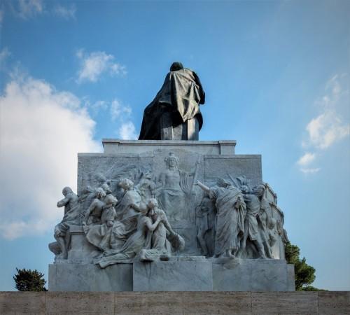 Pomnik Giuseppe Mazziniego, Dążenie do wolności Młodych Włoch, Ettore Ferrari