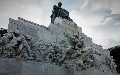 Pomnik Giuseppe Mazziniego, Ettore Ferrari