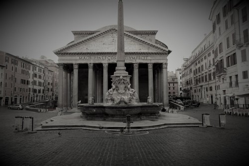 Pantheon on Piazza della Rotonda