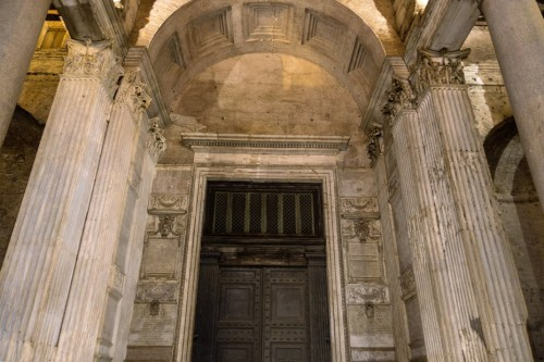 Pantheon, the temple bronze gate