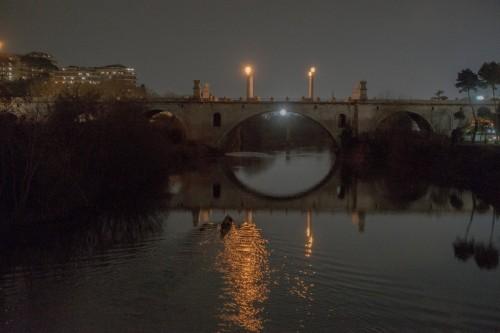 Ponte Flaminio nocą