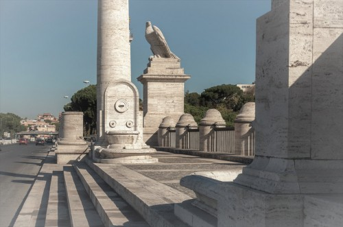 Ponte Flaminio, reprezentacyjne przejścia dla pieszych