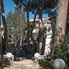 Armando Brasini, park wewnątrz kompleksu willi architekta