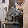 Obelisk Minerveo przed bazyliką Santa Maria sopra Minerva, rzeźba słonia Ercole Ferrata