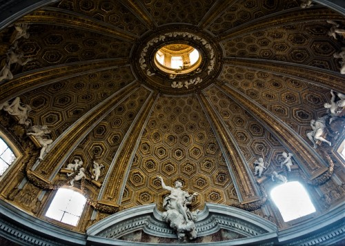 Church of Sant'Andrea al Quirinale, stucco decorations at the base of the dome, Antonio Raggi