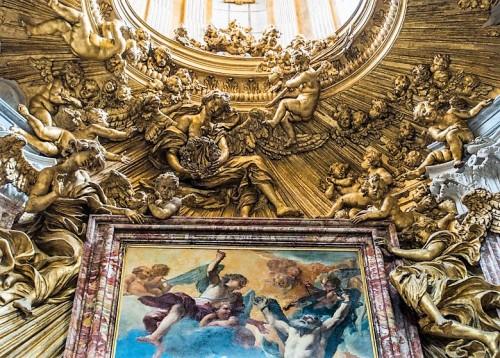 Sant'Andrea al Quirinale, oprawa ołtarza głównego, dekoracje sztukatorskie - Antonio Raggi