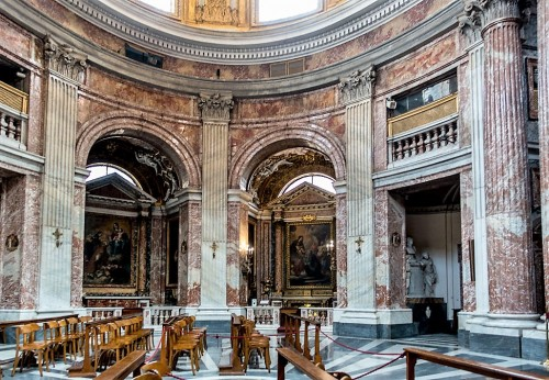 Church of Sant'Andrea al Quirinale, view of one of the church wings