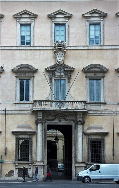 Enterance gate into the Palazzo Altieri presently the residence of the Italian Banking Association